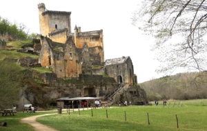 Le château de Commarque, visite en Dordogne